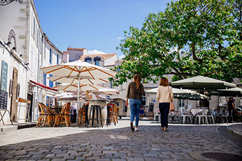 Außengastronomie in La Rochelle
