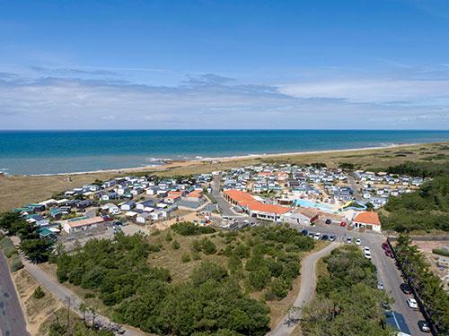 Blick aus der Luft auf den Camping La Dune des Sables bei Les Sables d'Olonne